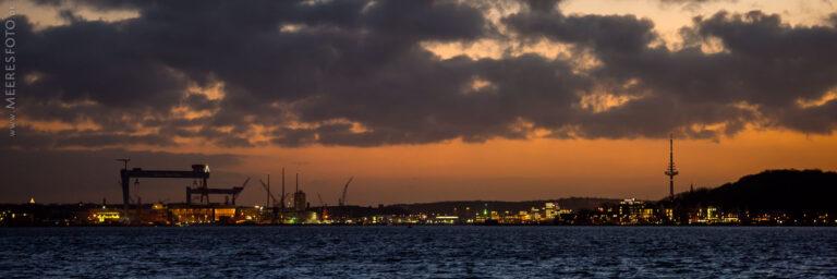 Später Abend über Kiel